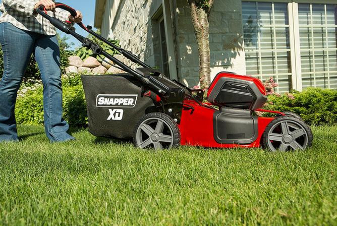 """Snapper XD SXDWM82K 82V Cordless 21"""" Walk Mower in use"""