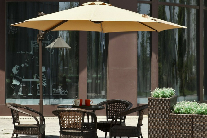Le Papillon 10 ft Cantilever Umbrella Outdoor Offset Patio Umbrella Easy Open Lift 360 Degree Rotation