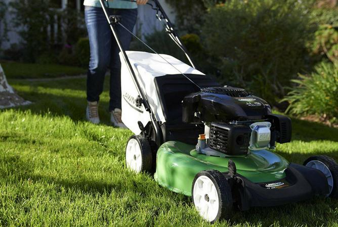 Lawn-Boy 10732 Kohler XT6 OHV RWD Self Propelled 21 Inch Gas Lawn Mower